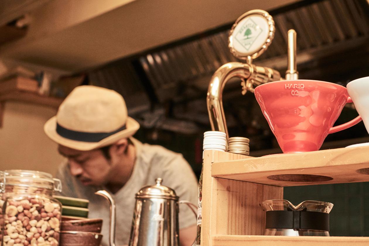 ONIBUS coffeeから焙煎したての豆を使ったコーヒー