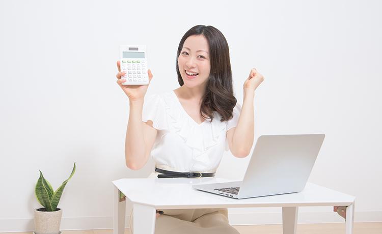 副業で収入を得る主婦のイメージ画像